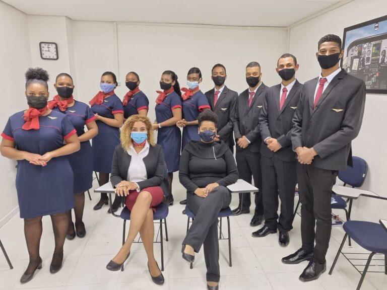 Pretos que voam: Conheça o projeto inovador que disponibiliza bolsas de estudos para os futuros tripulantes negros