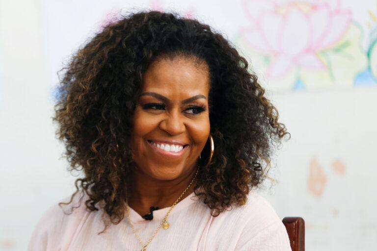Michelle Obama está finalizando as negociações para participar da última temporada de Black-ish