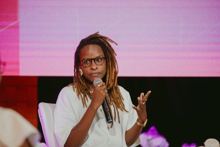 Monique Evelle fala sobre 'Afrofuturos' no último episódio do 'Mulher Com a Palavra' em 2021