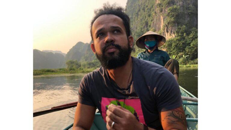 """""""Em qualquer lugar do mundo, toda vez que encontro algum preto, eu o saúdo"""", diz Thiago Nascimento, estrategista de comunicação"""