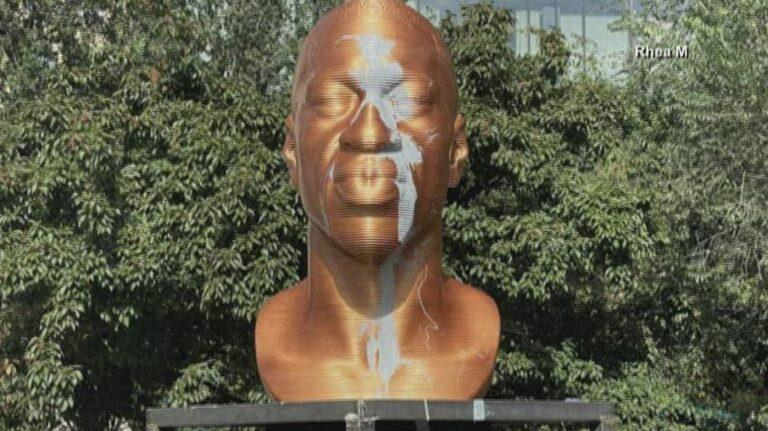 Estátua de George Floyd é vandalizada nos EUA pela segunda vez